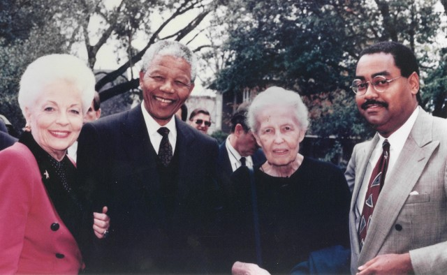From left: Texas Governor Ann Richards, Nelson Mandela, Dominique de Menil, And Texas State Senator Rodney Ellis (Senator Rodney Ellis/Wikipedia)