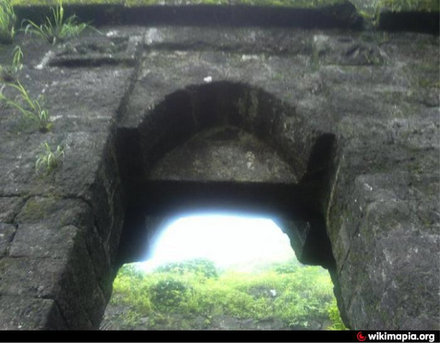 Image of doorway to fort of Rohida, later named Vicitragadh