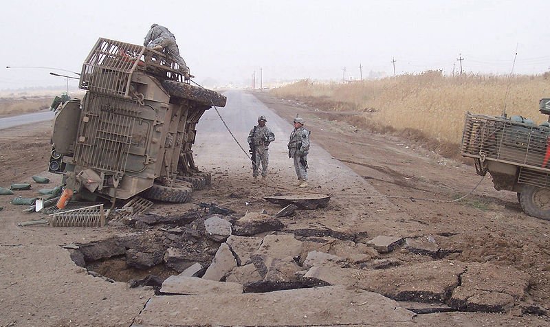 800px-Buried_IED_blast_in_2007_in_Iraq