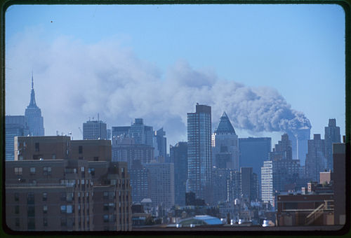 500px-Collection_of_unattributed_photographs_of_the_September_11th_terrorist_attack_on_the_World_Trade_Center2C_NYC_LC-A05-A01_0001u_original_0