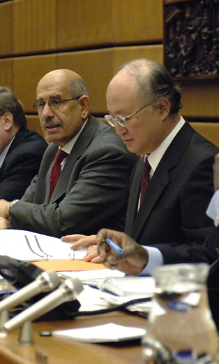 020206_IAEA_Director_General_ElBaradei_Olli_Heinonen_Japan_Ambassador_Yukiya_Amano_Photo_Credit_D._Calma_-_IAEA