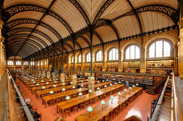 Reading room of the Bibliothèque Sainte-Geneviève, Paris (Wikipedia/User Marie-Lan Nguyen)