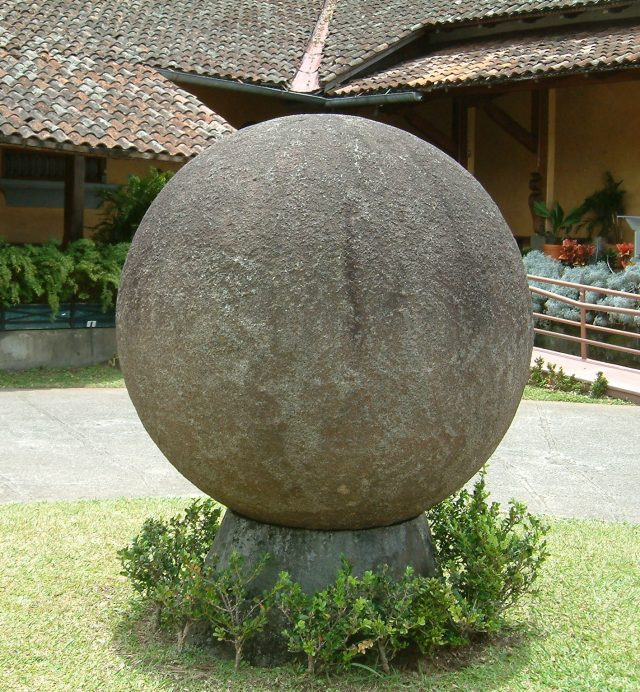 A Costa Rican stone sphere at the Museo Nacional in San José (Wikipedia/user: User:matanya)