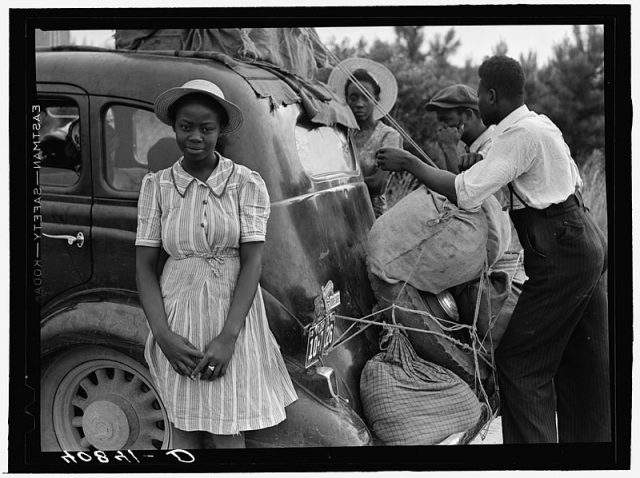 Group of Florida migrants near Shawboro, North Carolina on their way to Cranbury, New Jersey, to pick potatoes (Library of Congress)