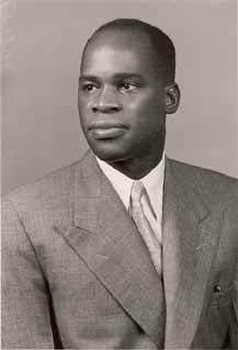 Eduardo Mondlane class photo at Oberlin College, 1953. Image via wikicommons.