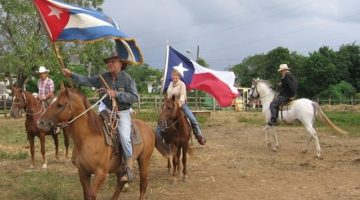 The Cuban and Texas flags flying together during a pleasure ride outside of Havana. This event (minus the Texas flag) made page 3 of the NY Times on November 12, 2007.