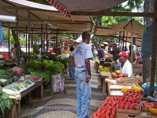 The Market on Machado de Assis Street. Photo courtesy of Eyal Weinberg