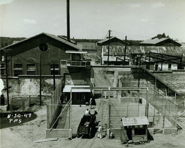 View of the yard at the Texas State Prison in Huntsville, 1949