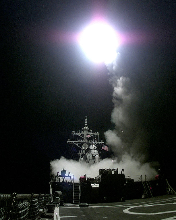 A Tomahawk cruise missile launches from the aft missile deck of the USS Gonzalez (DDG 66) headed for a target in the Federal Republic of Yugoslavia on March 31, 1999. Via Wikipedia.