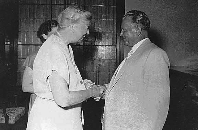 Josip Broz Tito greeting former American first lady Eleanor Roosevelt during her July 1953 visit to the Brijuni islands, PR Croatia, FPR Yugoslavia. Via Wikipedia.