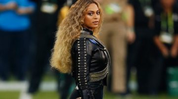 Beyonce performs at the Superbowl. Courtesy of Ezra Shaw/Getty Images.