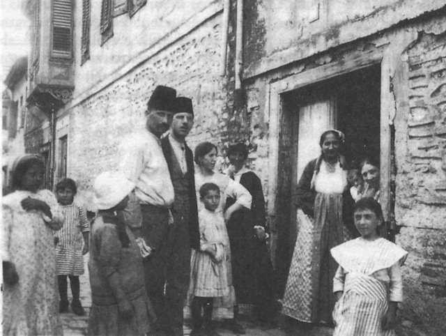 Jewish Family in Salonika in 1917. Via Wikipedia.
