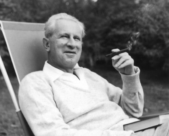 herbert_marcuse_in_newton_massachusetts_1955