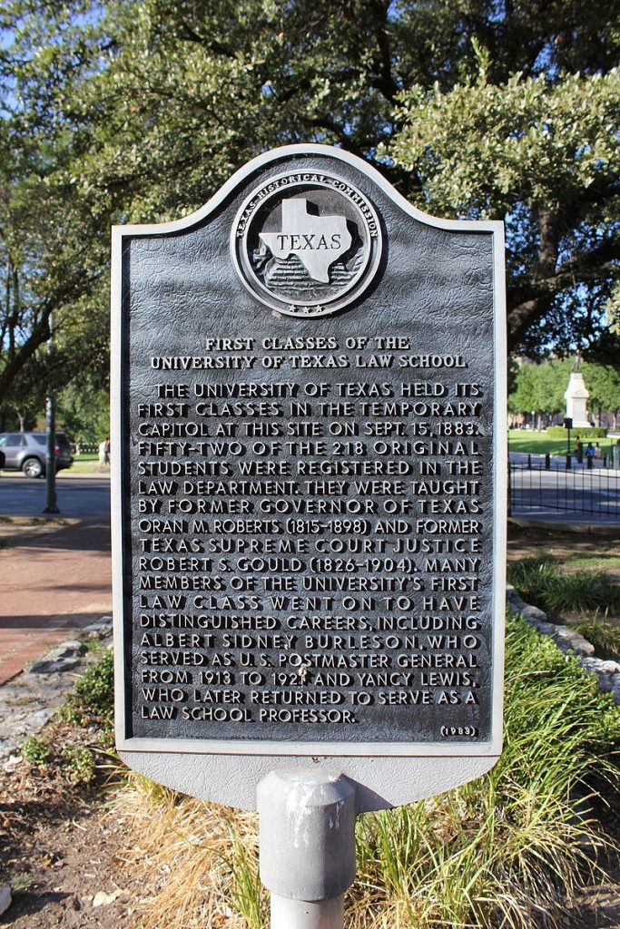 An image of the Texas Historical Commission Plaque for the First Classes of the University of Texas Law School