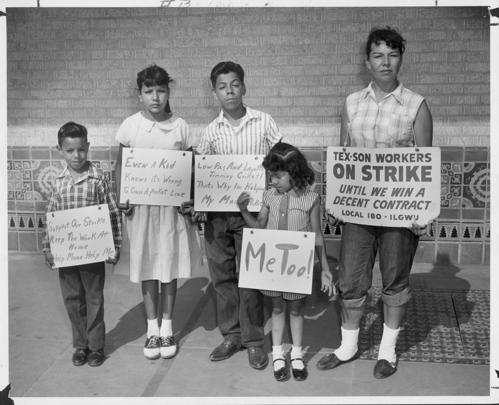 Black and white image of Helen Martinez and her four children in San Antonio, Texas