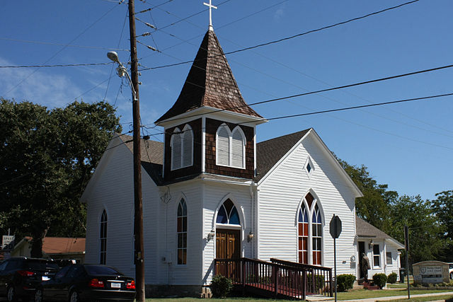 Photograph of the front facade of the Wesley Chapel AME Church in Georgetown, Texas